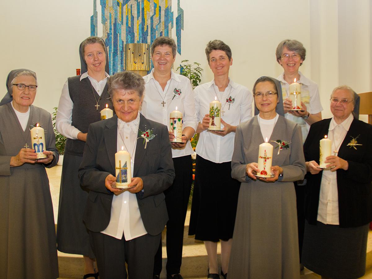 Professfeier in Vöcklabruck - Don Bosco Schwestern